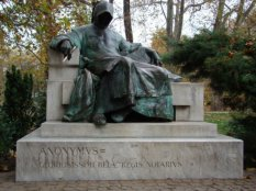 3172270-Anonymous-Statue-0